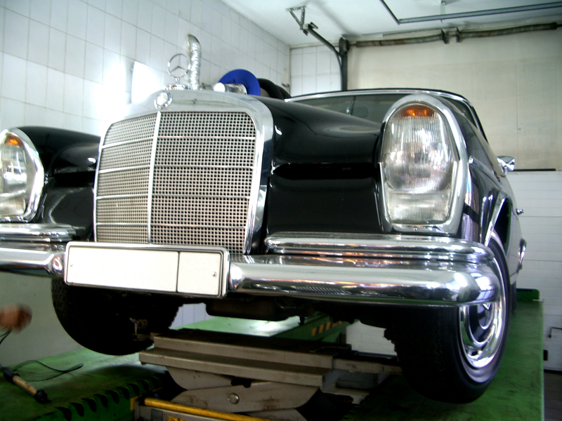 Mercedes W111 Cabriolet 11